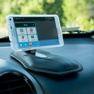 MAGICMAT_1-magicmount-mat-scosche-soporte-gps-smartphone-tablero-auto